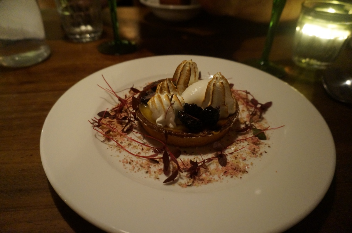 Lemon tart with fresh marshmallows, blackberries and lychee ice cream at Mele e Pele